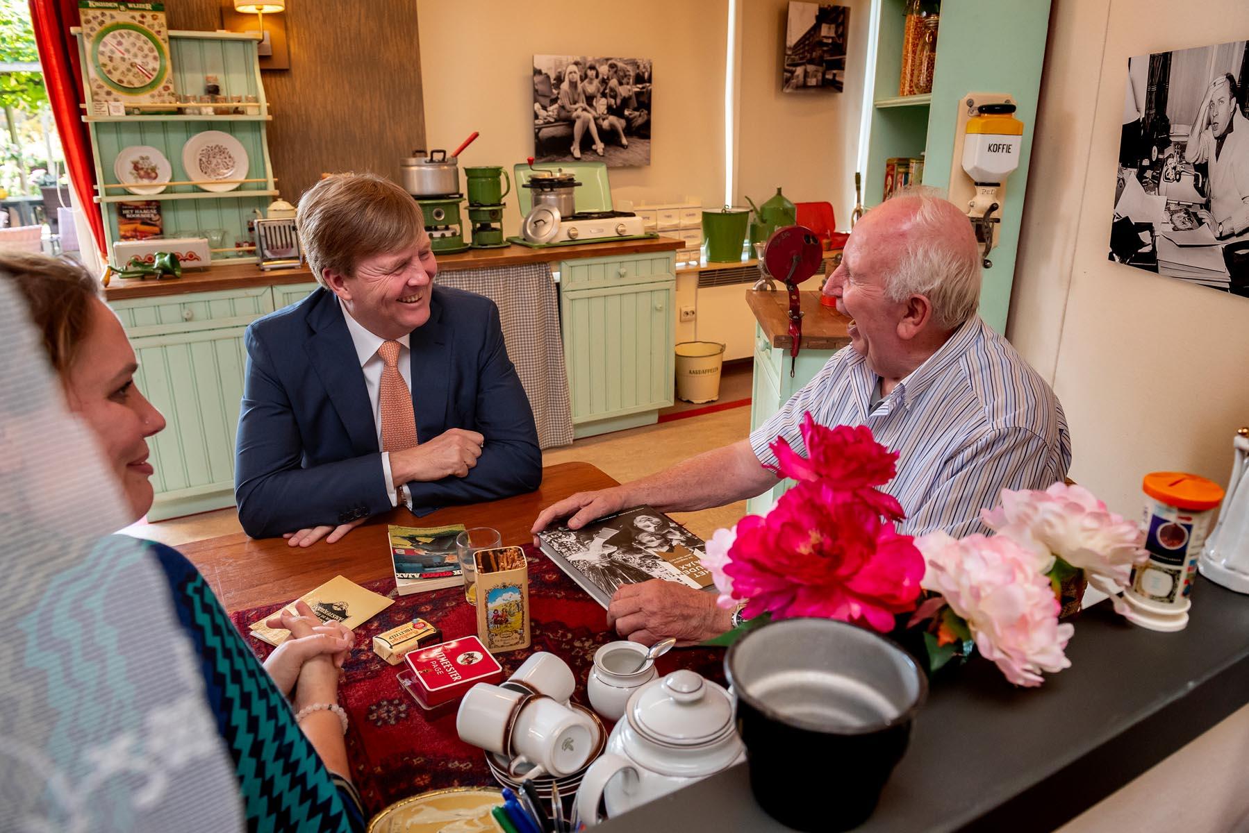 Koning Willem-Alexander bezoekt de Tijdmachine